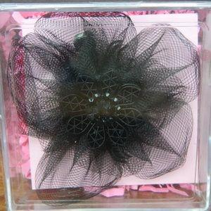 NWT✨ Tarina Tarantino Black Flower Tulle Hair Clip